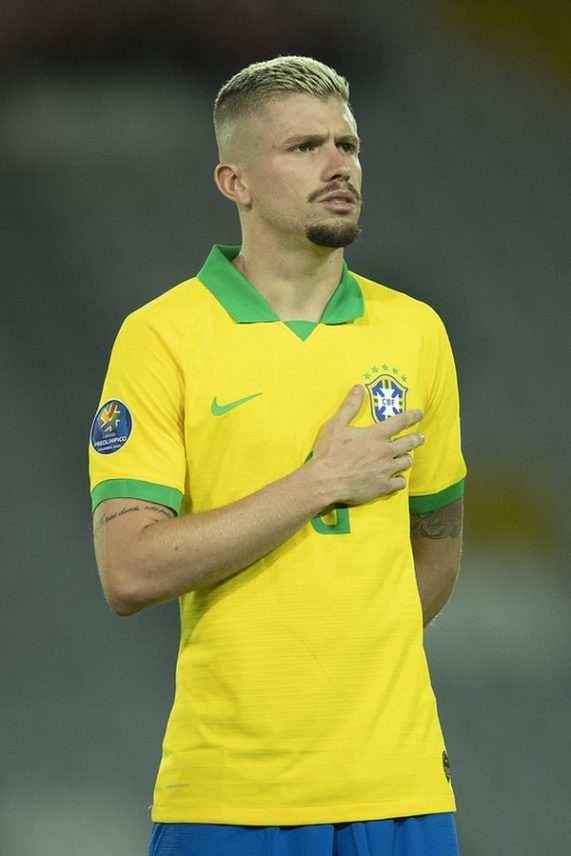 Reforço do Grêmio, Caio Henrique pega dicas e ganha boas-vindas de parceiro da seleção sub-23