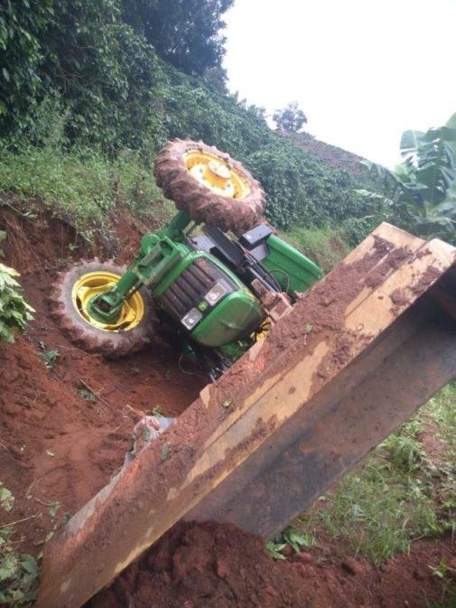 Homem morre em acidente com trator na zona rural de Lajinha
